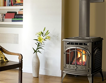 Quadra-Fire Sapphire Free Standing Gas Vented Stove